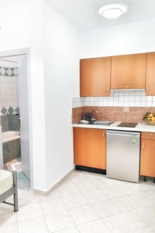 No2 quadruple room orange apartments-04
