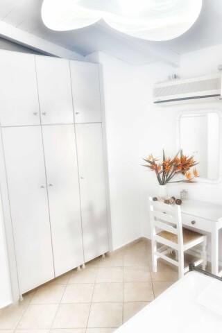 No2 quadruple room orange apartments-07