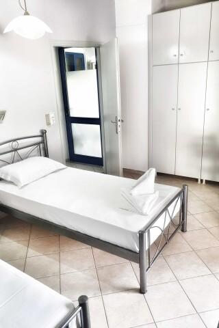 No2 quadruple room orange apartments-11