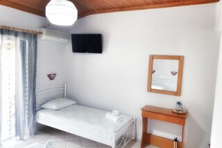 n4 3 bed studio orange apartments lefkada-03