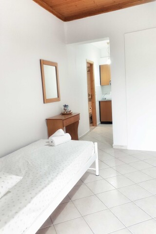 n4 3 bed studio orange apartments lefkada-04