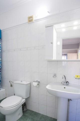 orange apartments bathroom amenities