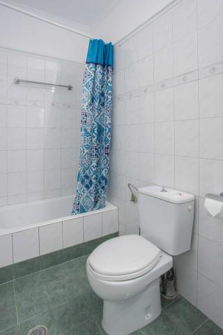 orange apartments bathtub
