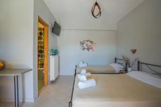 studio 3 orange apartments bedroom
